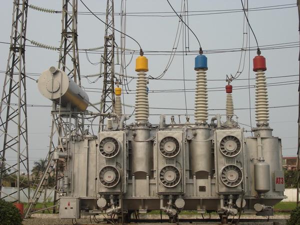 Kết quả hình ảnh cho Dầu Cách Điện Máy Biến Áp Total